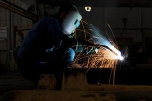 《电焊工》